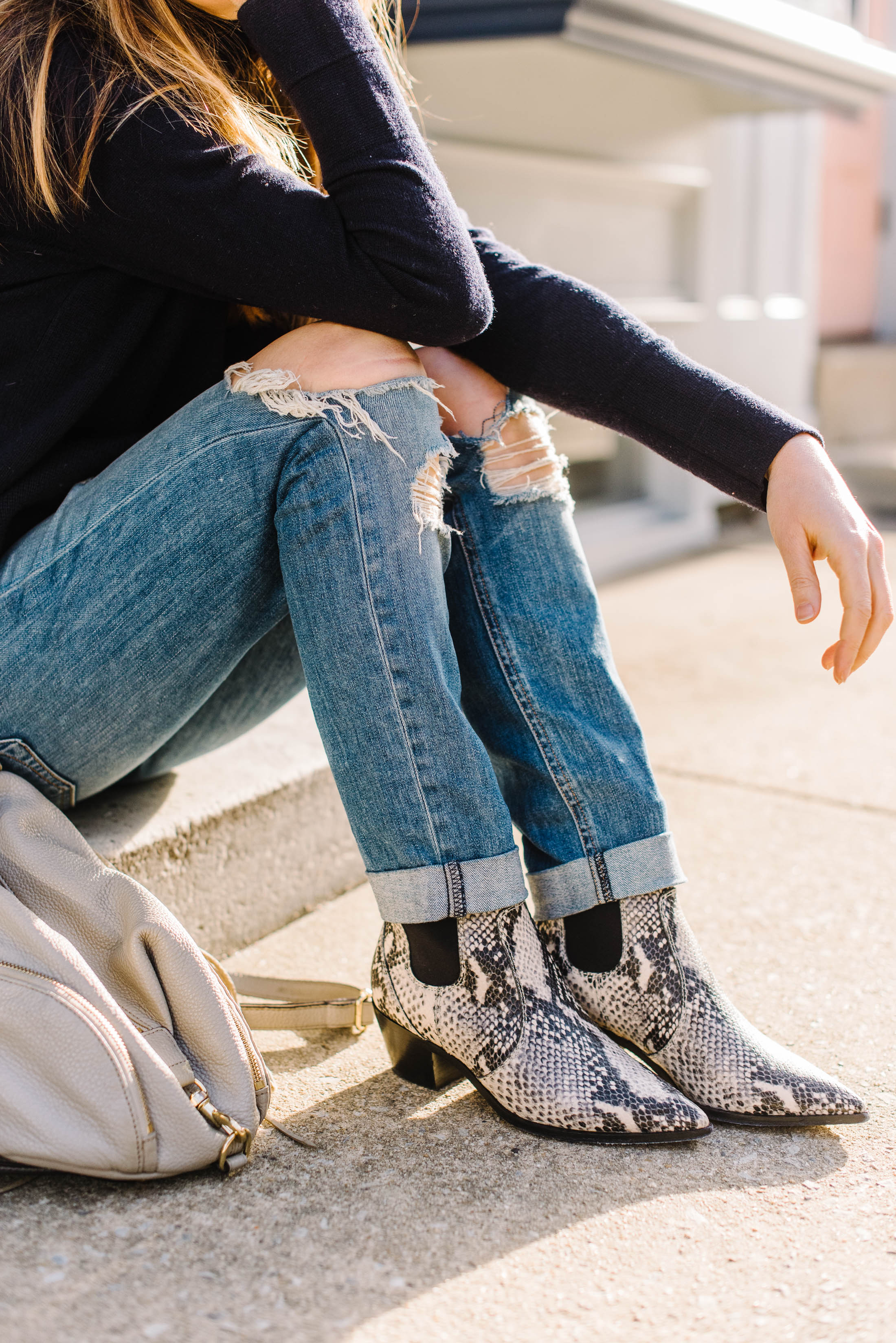 Western booties may just be the shoe to take us into Spring & rock in the Summer —wear 'em with mom jeans, boyfriend jeans & non-skinny denim...yes!