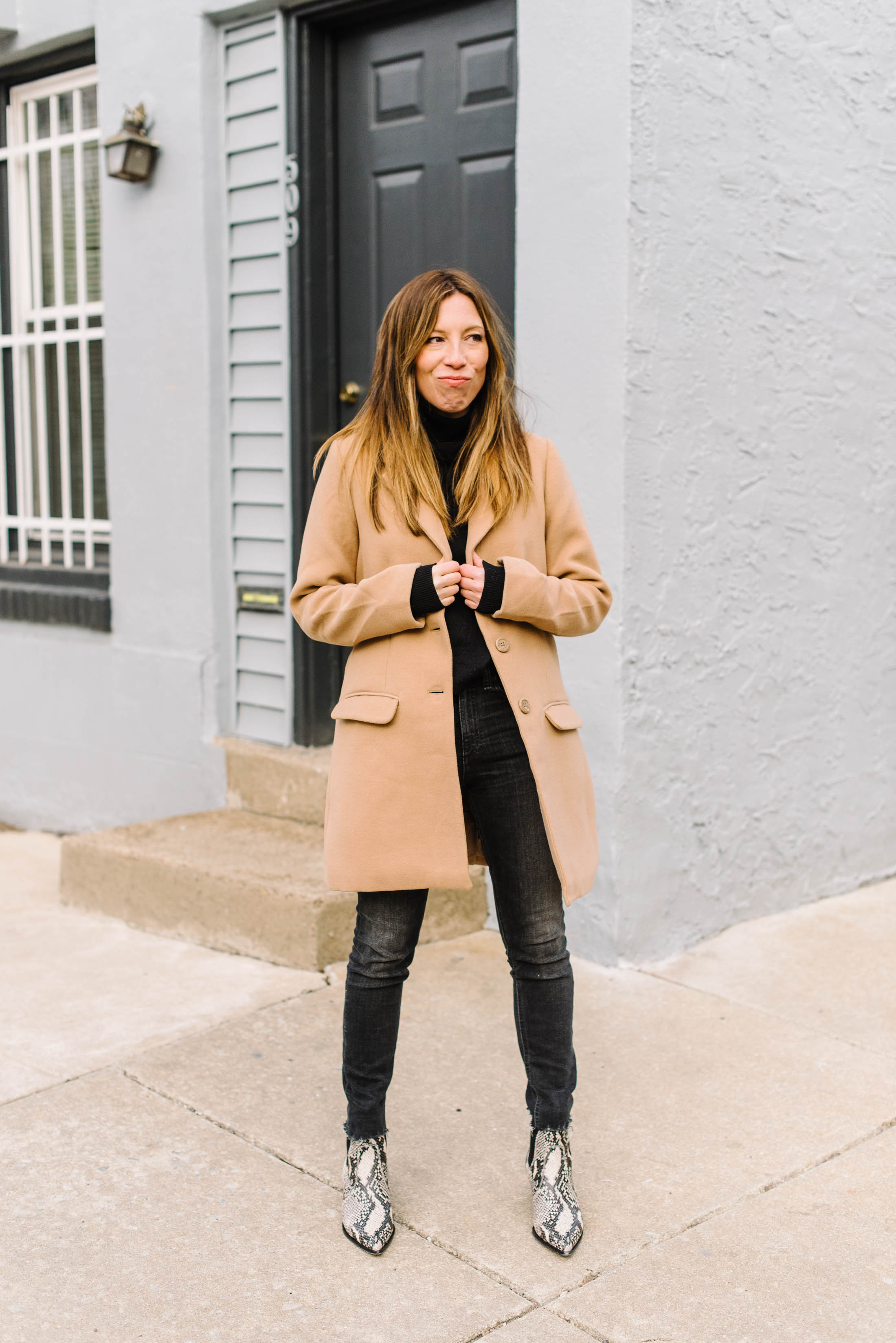 Still stuck in your all-black outfit? Us too. It's almost Spring, so stay comfy & chic — but add some LIGHT. Enter this coat & these booties. Outfit DONE.