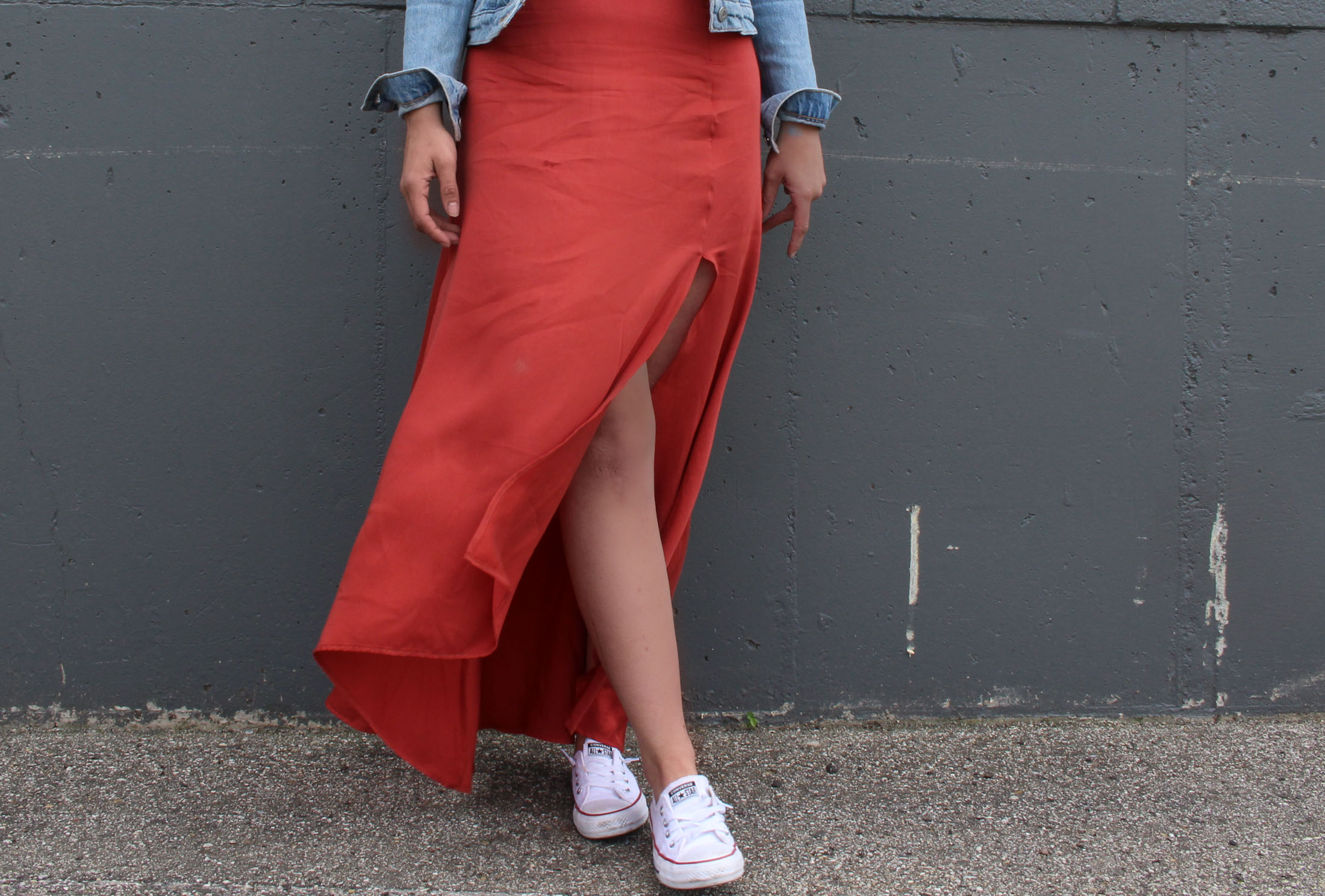 5ec9fffd13 Surprisingly Wearable Spring & Summer Trend: Maxi Skirt with a Dramatic Slit