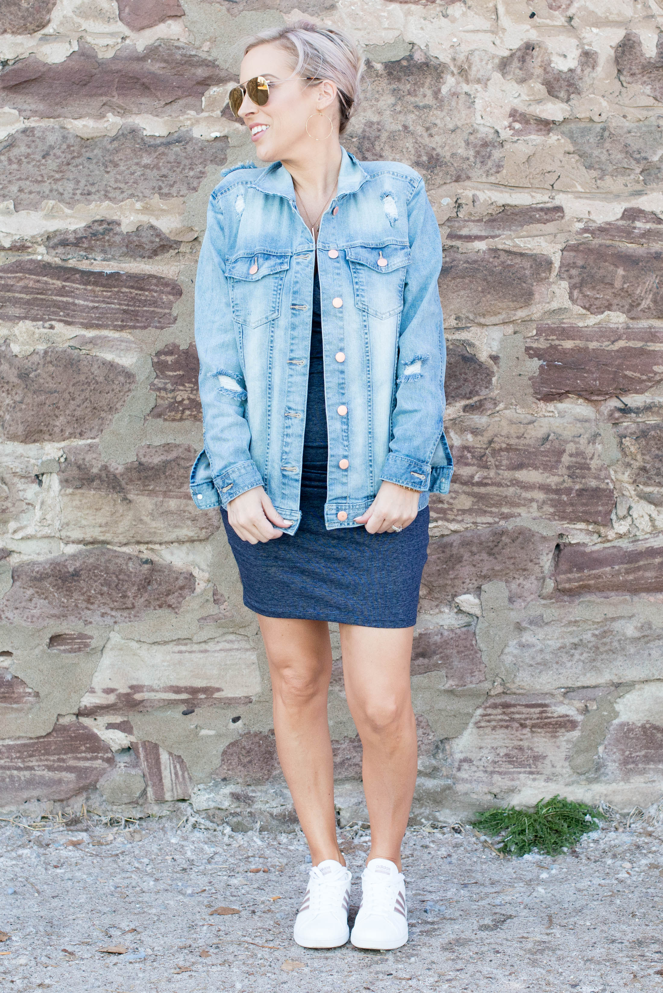187f063cae Comfy t-shirt dress + oversized denim jacket + cute white sneaks = easy  summer ...