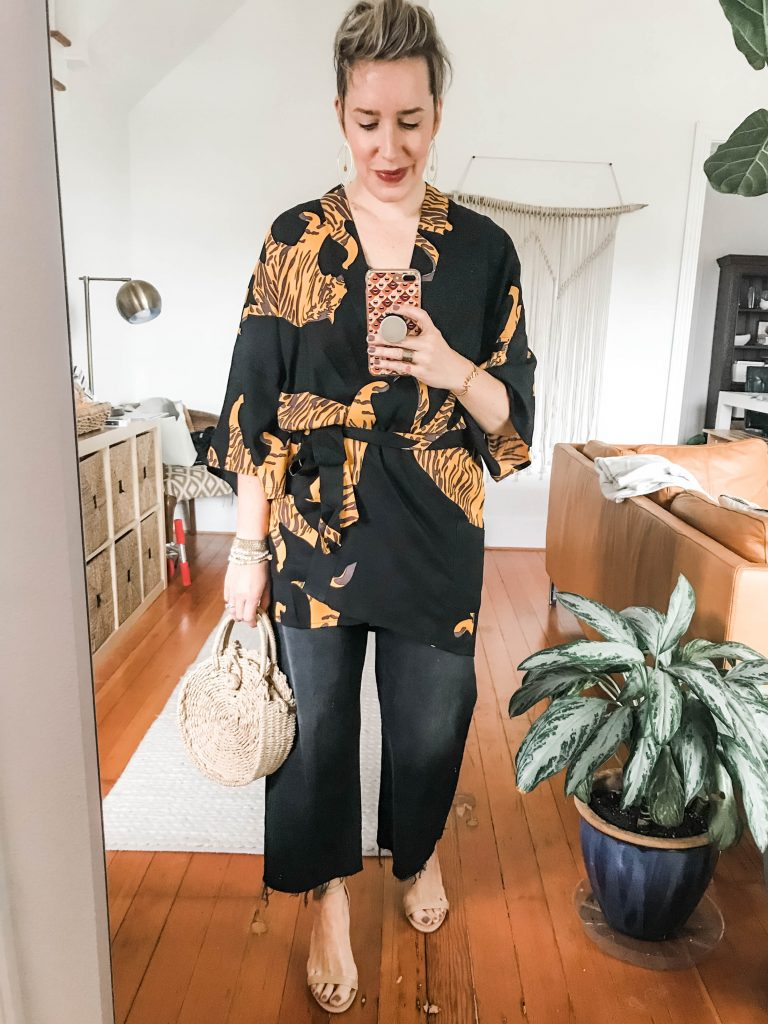 Dying to try a kimono outfit this summer? Well, we're doing it. From comfy to boho-chic, we're styling a women's kimono 4 ways — come see.