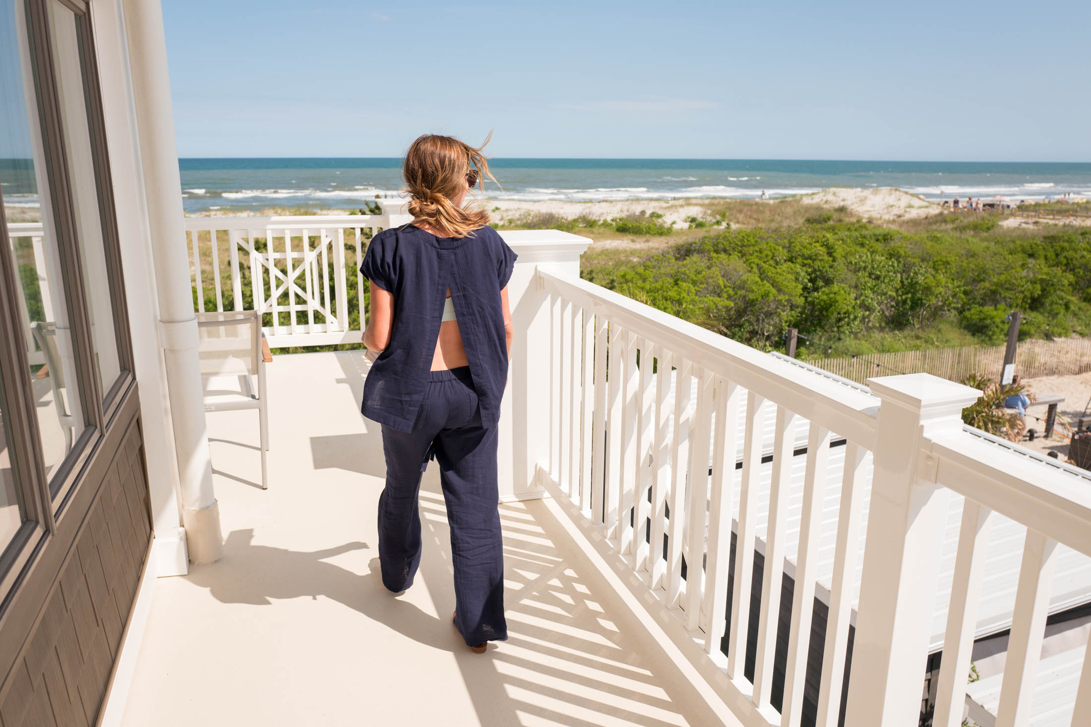 A long weekend at the beach is the just right Rx for a summer refresh. I brought a li'l capsule wardrobe too, so here's my packing list for the shore.