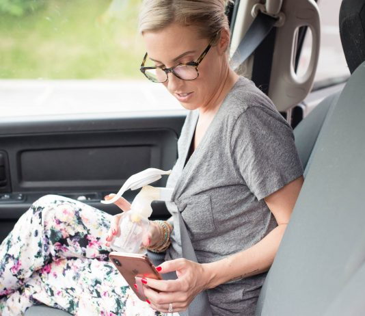 Breastfeeding on a road trip? GIRL — you need this manual breast pump! It is THE ANSWER to nursing a baby in a car seat. Check out the difference it makes!