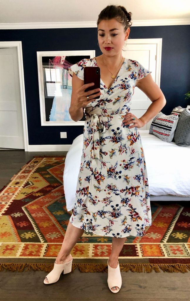 We took home 5 gorg dresses from the Anniversary Sale & styled 'em for work, play & date night/girls' night. Keepin' it casj & getting fancy — right here.