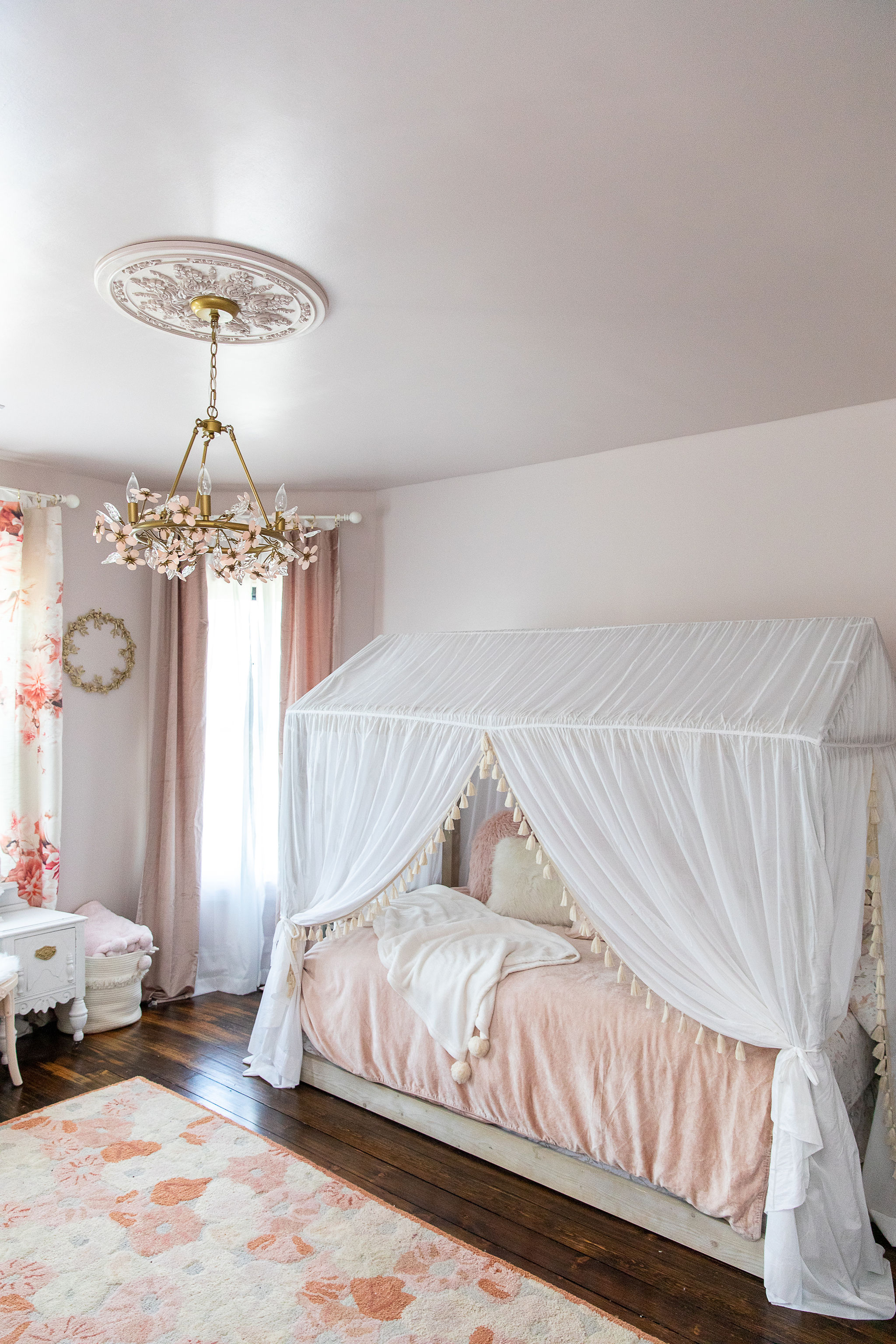 Excellent Muted Pinks Mature Florals Decorating A Kids Bedroom To Home Remodeling Inspirations Gresiscottssportslandcom