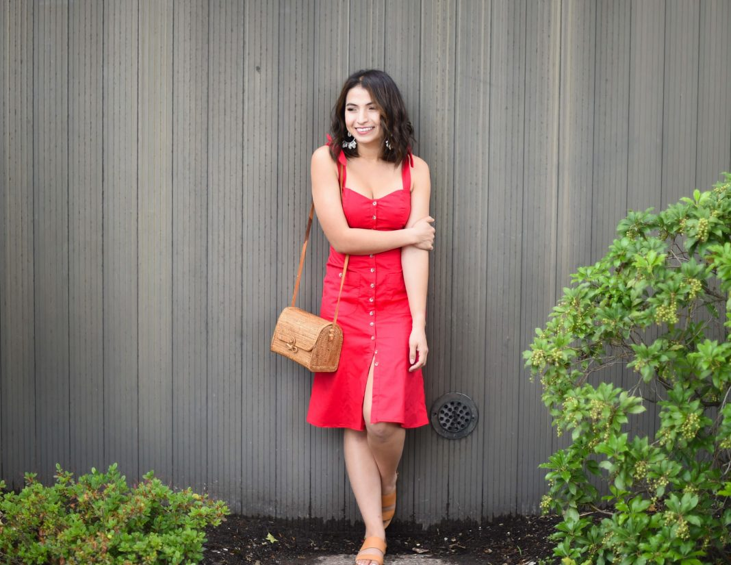1 & done. It's time to celebrate the simplicity of casual dresses for everyday life, mamas. Get dressed easily, look sexy & take this look from day to night.