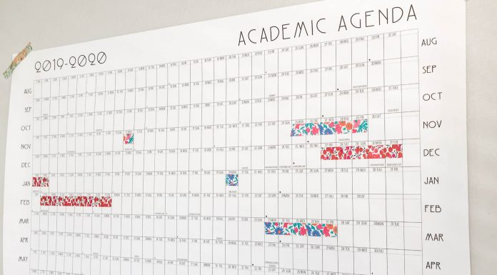As the school year approaches, an academic calendar is kind of exactly what we need. Blank, printable & fun for the whole fam — we're on it!