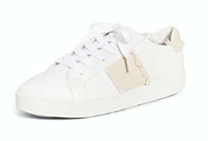 White sneakers are perpetually on-trend — & essential for any mama's streetstyle aesthetic. Adidas, Nike, Veja, Everlane — our top 10 fav pairs, right here.