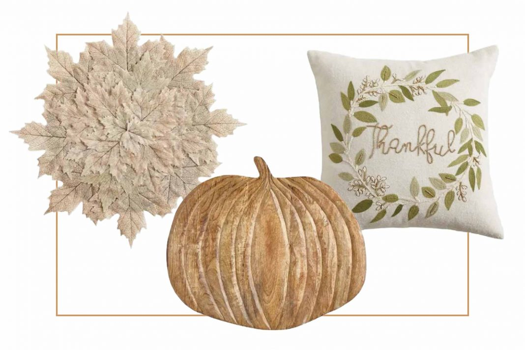 We're all about the coziness of autumn, so we're stocking up on fall decor for home (including the dining table) right now. Leave the planning to us – haha.