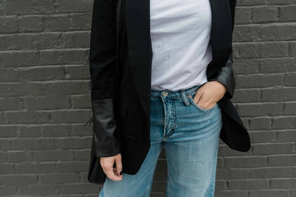 We're all heart eyes for this insanely cool black blazer. Paired with wide-leg jeans or elevated as an office outfit, we're all over this wardrobe staple.