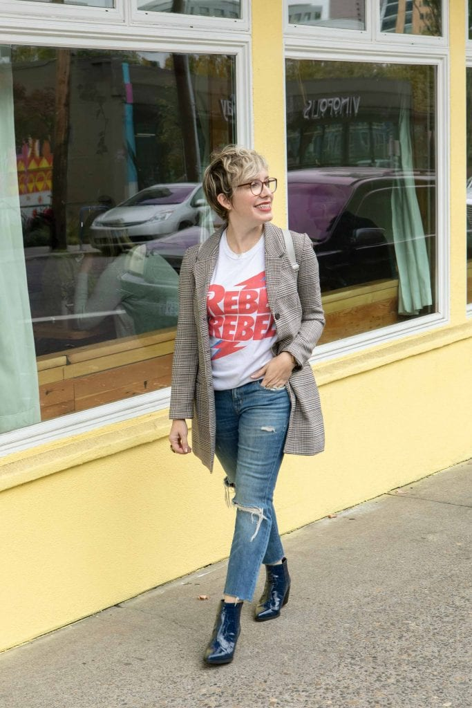 Plaid Blazer. Graphic T-Shirt. Skinny Jeans. Western Chelsea Bootie. Go-to fall outfit done. You own the day. You are ready to kill that checklist.