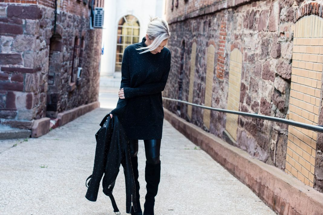 A go-to outfit is 1 we feel happiest rockin' on the daily. Mine: a leather jacket, oversized turtleneck or dress, faux leather leggings & boots (w/ a heel).