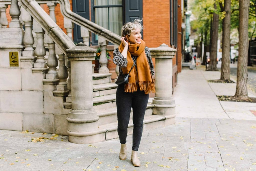 Just a few key pieces upgrade a winter outfit...a sustainable puffer jacket, a gorg scarf....add your fav jeans & voila. Everlane helps, too.