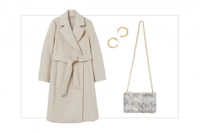 Love good neutrals? Minimalist glam your idea of good style? Us too. Give us ALL the tan, cream & ivory clothes; we're here for chic, comfy holiday outfits.