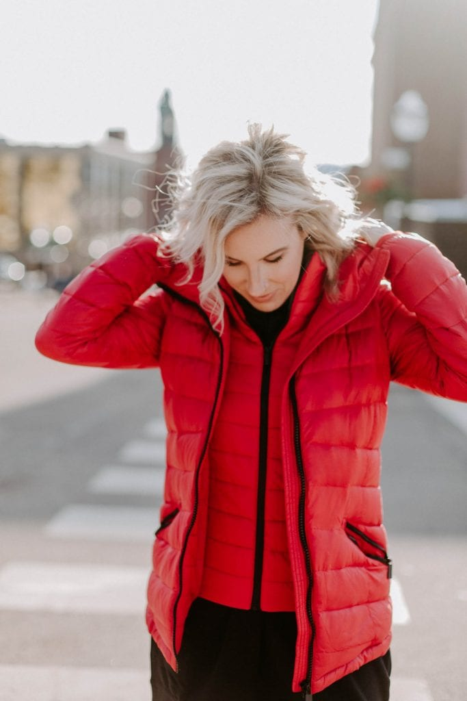 Found a go-to winter outfit? Puffer coats, winter boots, faux leather leggings + oversized hoodies = our cold-weather wardrobe staples. Warm, cute & cozy.