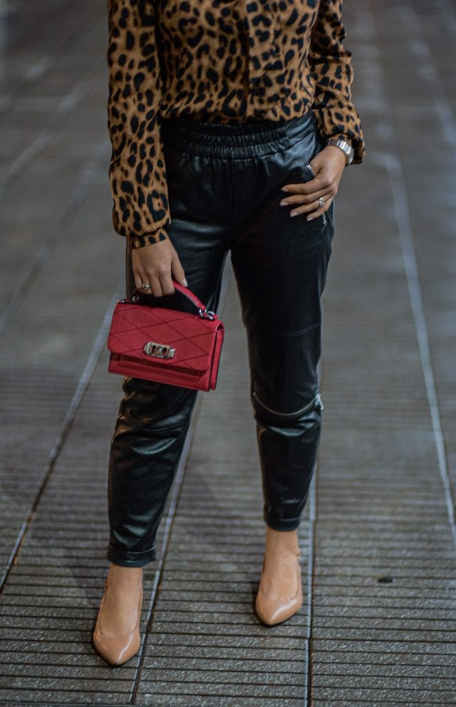 These faux leather pants immediately = stylish, chic & cool. They're insanely comfy b/c they're joggers & more importantly...they're VERSATILE.