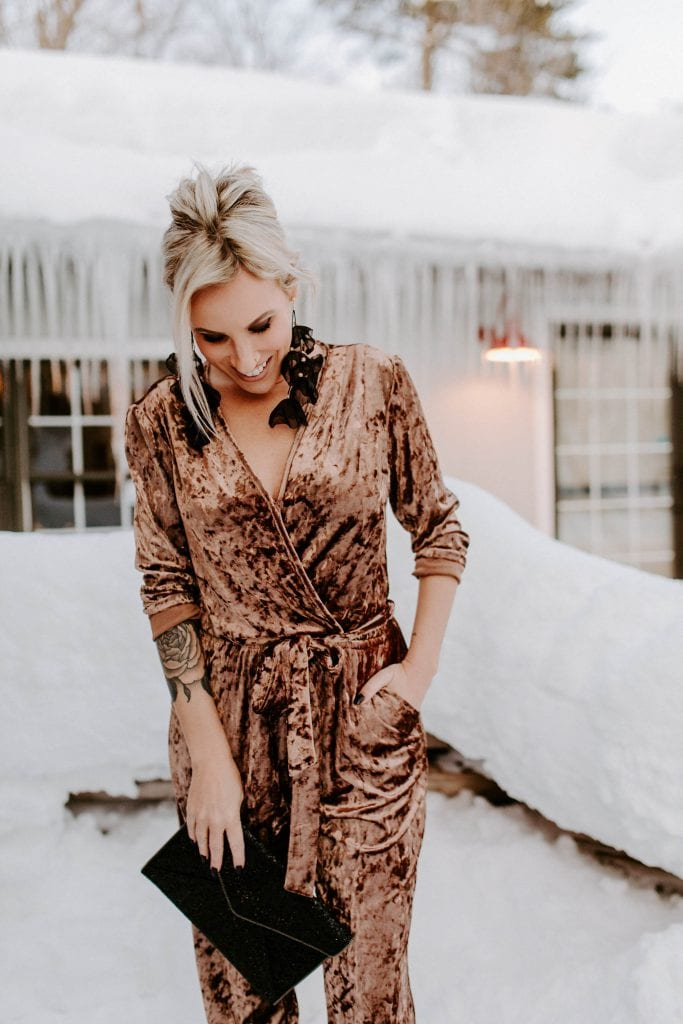 Sometimes we want our clothes to feel like pjs, #amIright? I've found the perfect solution: jumpsuits. Comfy & fabulous jumpsuits for all holiday occasions.