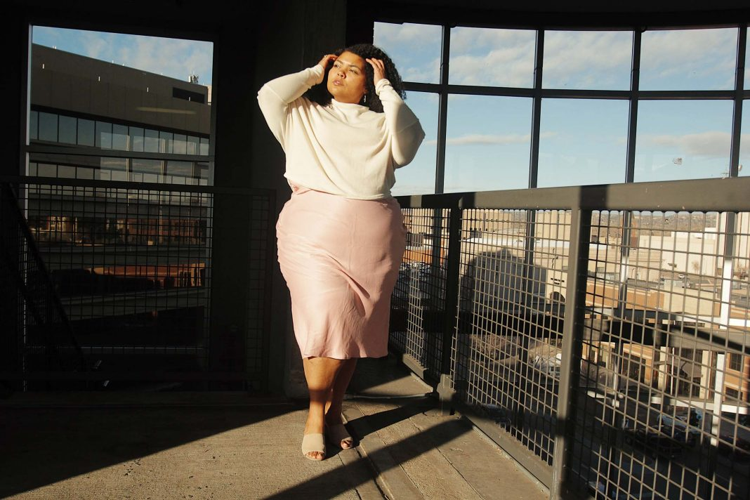 This date night outfit is perfectly sexy & modest. A cropped tunic + a pink midi slip dress from Anthro. Super-silky w/ a cowl neck & side slits (+ it feels like PJs). YES...
