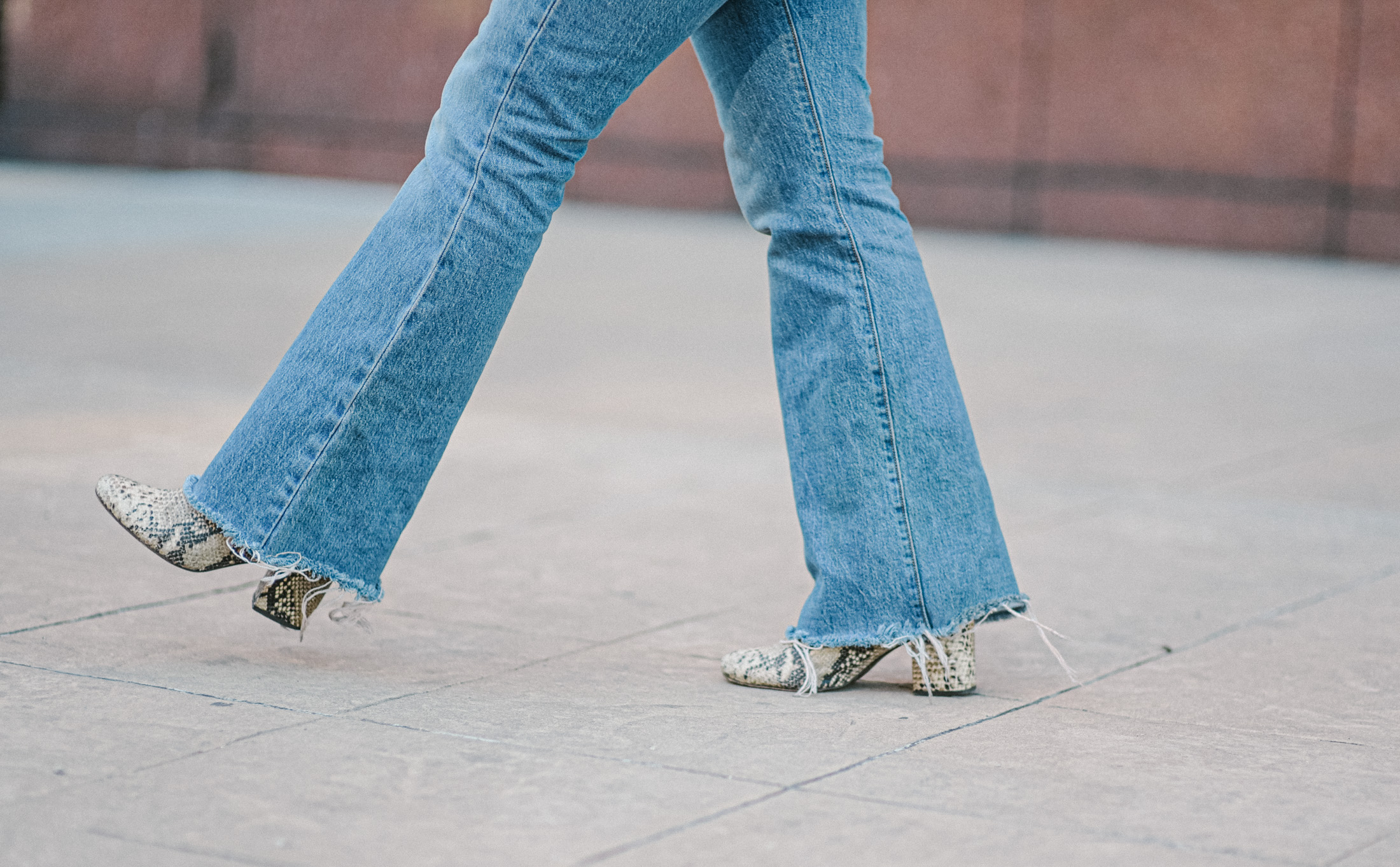 """Levi's Ribcage jeans — we're obsessed. An 11-12"""" rise, are 99% cotton + 1% elastine & fit TTS. All that we love about flares & ankle straight fits — inside."""
