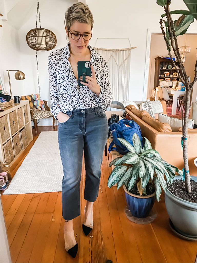 Heels, combat boots, western booties & sneakers. Find the right pair of mom jeans, crop, tuck & nail the on-trend aesthetic with these 4 outfit ideas.