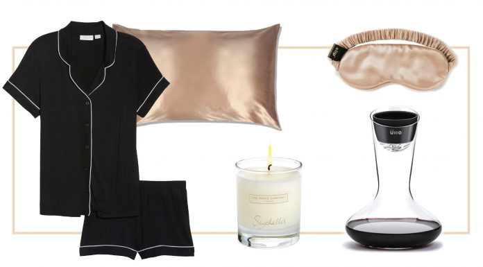 Pampering is on our Mother's Day wishlist this year. Think bubble baths, comfy PJs, pretty candles & luxe, cozy items for home. 14 pretty gift ideas...