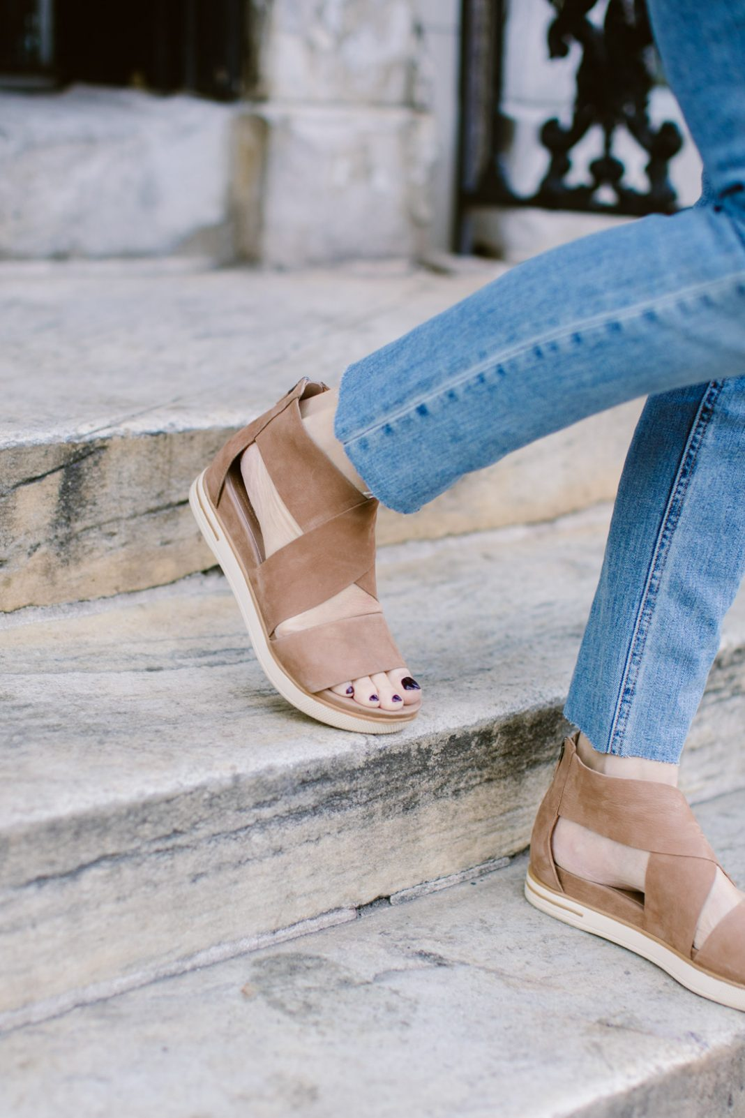 Sephora Spring Savings, classics at Shopbop, J.Crew cashmere, EILEEN FISHER sandals — fashion deals are SO good. Madewell, Nordstrom & Anthro are on fire, too.