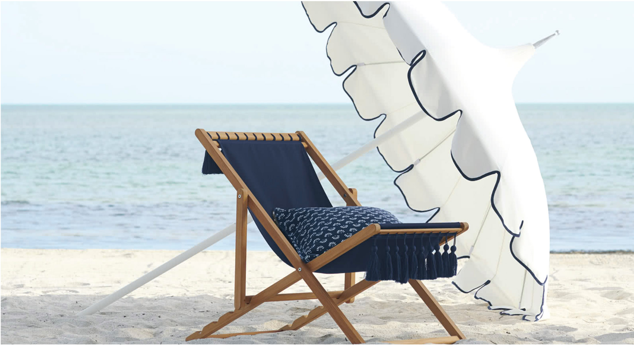 Let S Lounge The Best Outdoor Chairs For Beach Picnic Camping The Mom Edit