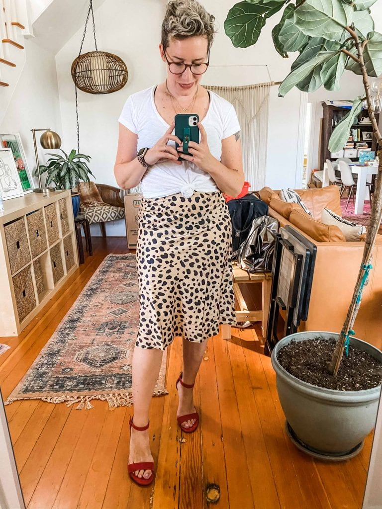 Remember the gorg Réalisation Par leopard print midi skirt? I found the BEST dupe for $29. With the same bias cut & similar patten, a save v. splurge review is on.