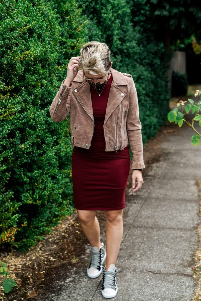 MOTHER Tomcat, No.6 Clog Boots, Levi's Jeans, that Amazon dress...these are a few of my favorite (fashion) things...My top 5 fashion finds I actually wear.