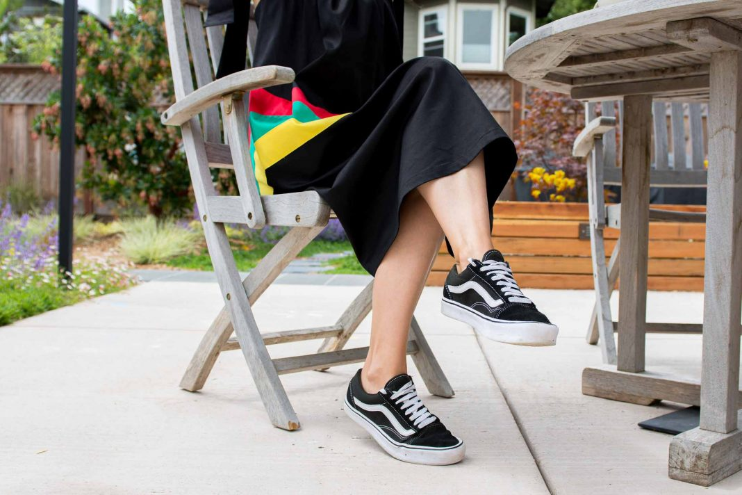 The Mrs. Jones Venice Beach dress SO GOOD: sustainable, featuring pockets & perfect to wear w/ Vans sneaks. From a black woman-owned business, too.