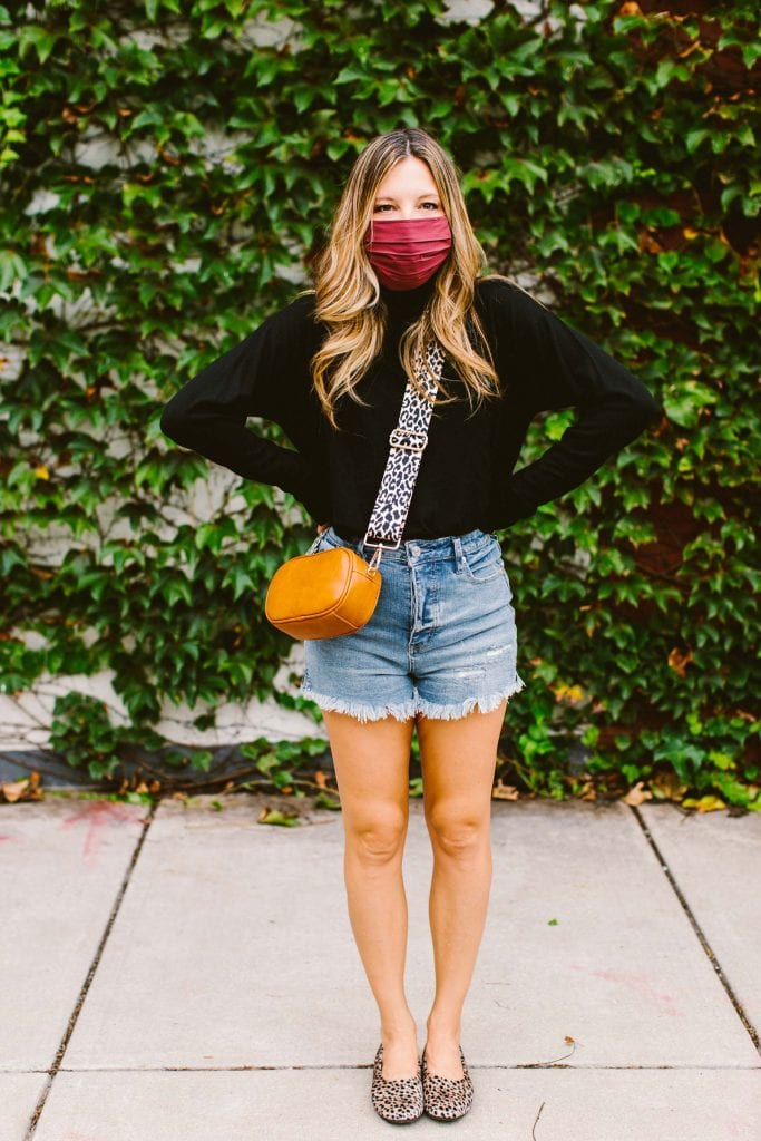 Simple but classic, French girl aesthetic calls & TME answers w/ this bag, black turtleneck, face mask & flats. Oh, hey, cute street style!