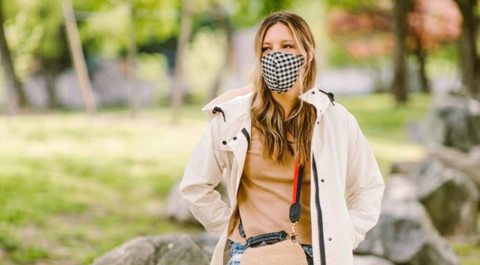 Cute face masks, sandals, sneakers & cute basics -- we're shopping all the deals. From EILEEN FISHER to JCrew & Madewell. #addtocart