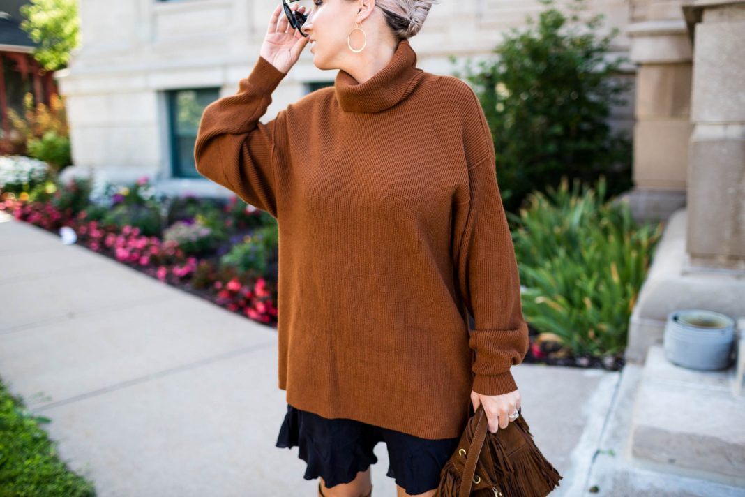 Long slouchy tunics, luxe cashmere sweaters, VOTE t-shirts for good causes & Madewell sneakers...see what other fashion deals we're shopping!