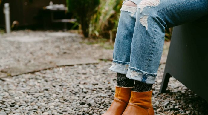 We're obsessed with cozy, lined wooden clog boots. It's our 2nd time around reviewing Swedish Hasbeens & No.6 —which brand is best?