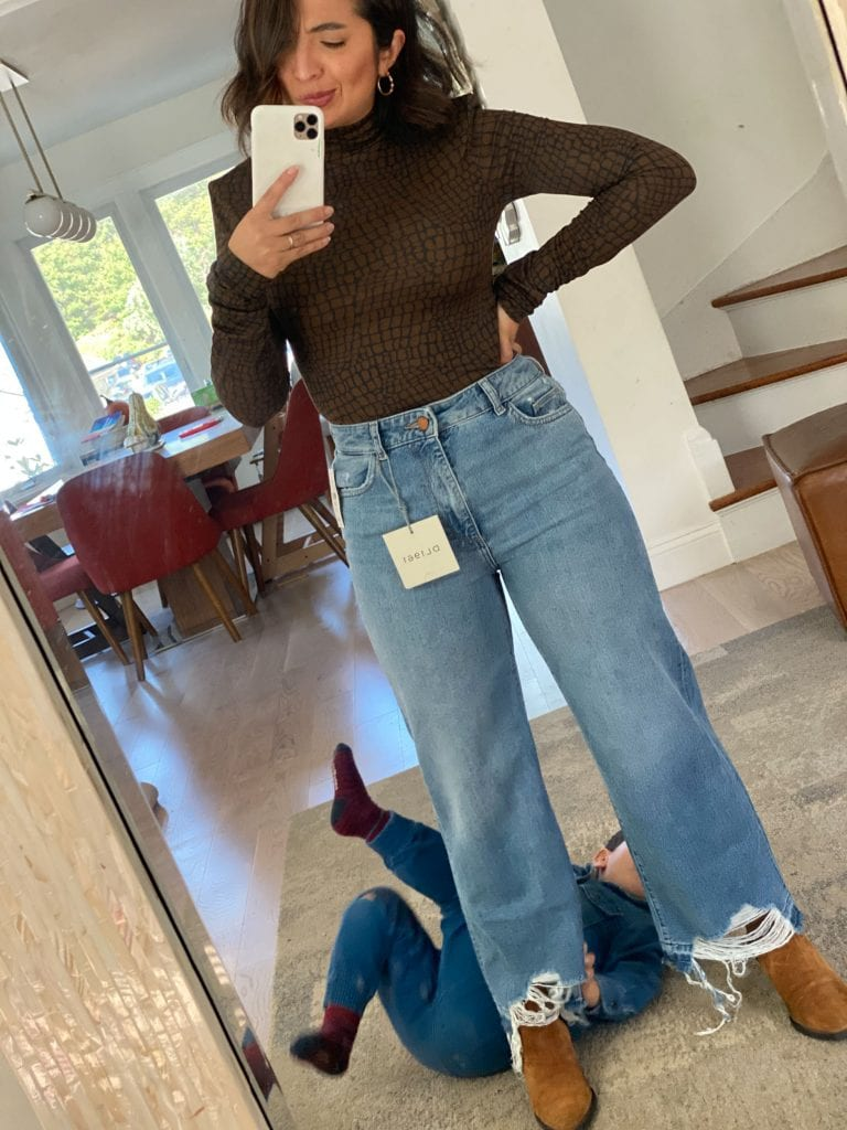 We managed to snag 7 cute, comfy outfit piece from the Shopbop Fall Event. Think elevated tees & sweatshirts, Levi's, DL1961 jeans & Vejas.