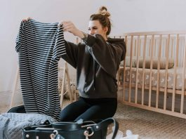 It's here! The ultimate maternity hospital bag checklist for birth. Loungewear for mom-to-be, going home outfits for newborn & mama— + the essentials!