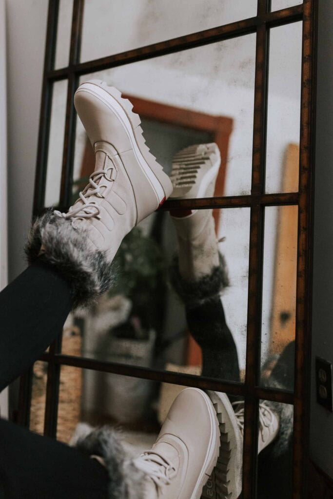 For cute (& warm) winter boots, we're looking at you, Sorel. We're thinking insulation, comfort & weather, so a review of 5 pairs is in order.