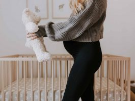 In an effort to find the BEST maternity leggings, we try & review 2 of the most talked-about brands, Spanx & Blanqi, + a 3rd (Ingrid & Isabel).