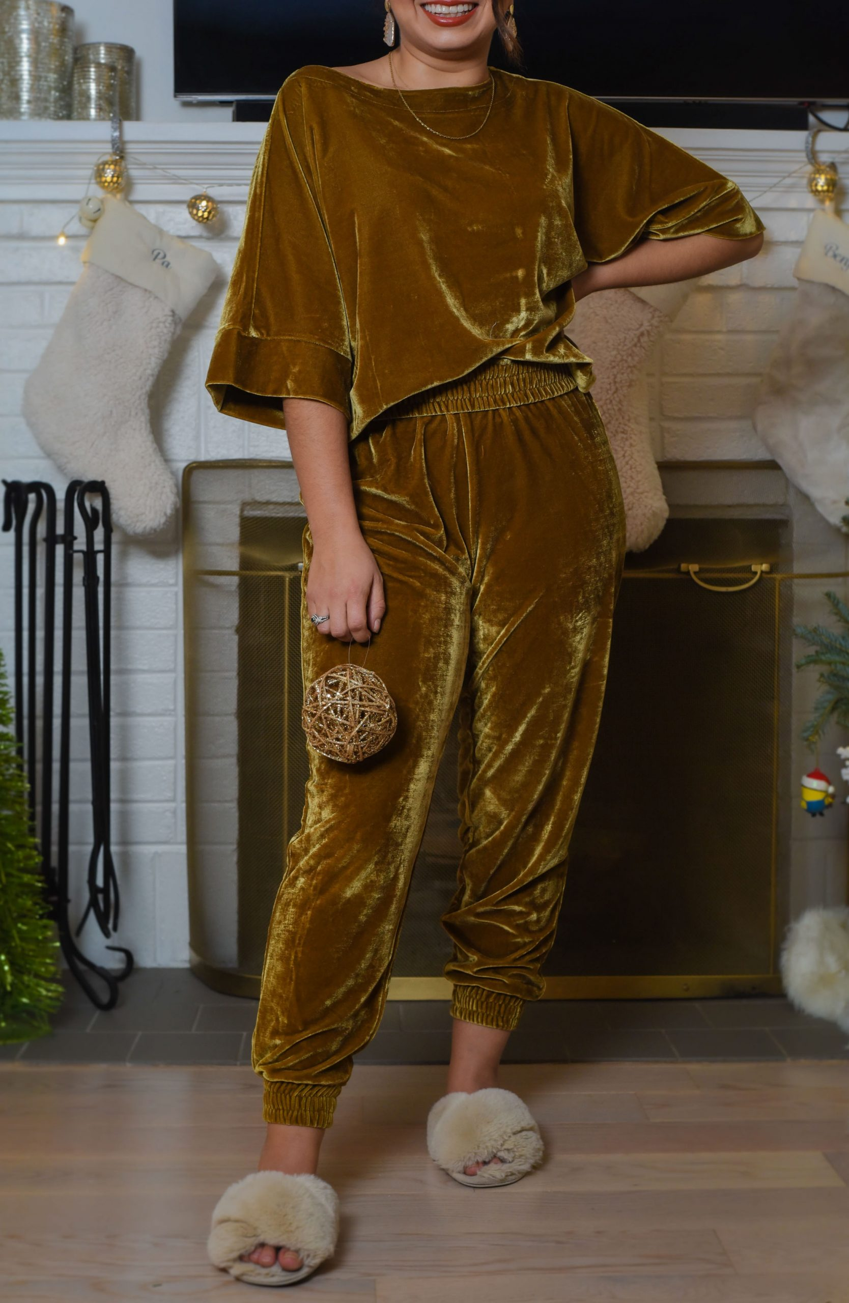 Is Velvet Loungewear The Holiday Outfit Solution The Mom Edit