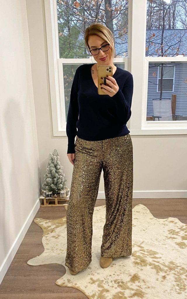 Banana Republic nails holidays at home. We're talking cute & festive finds (think velvet & sequins, but comfy) worth snapping up on Black Friday.