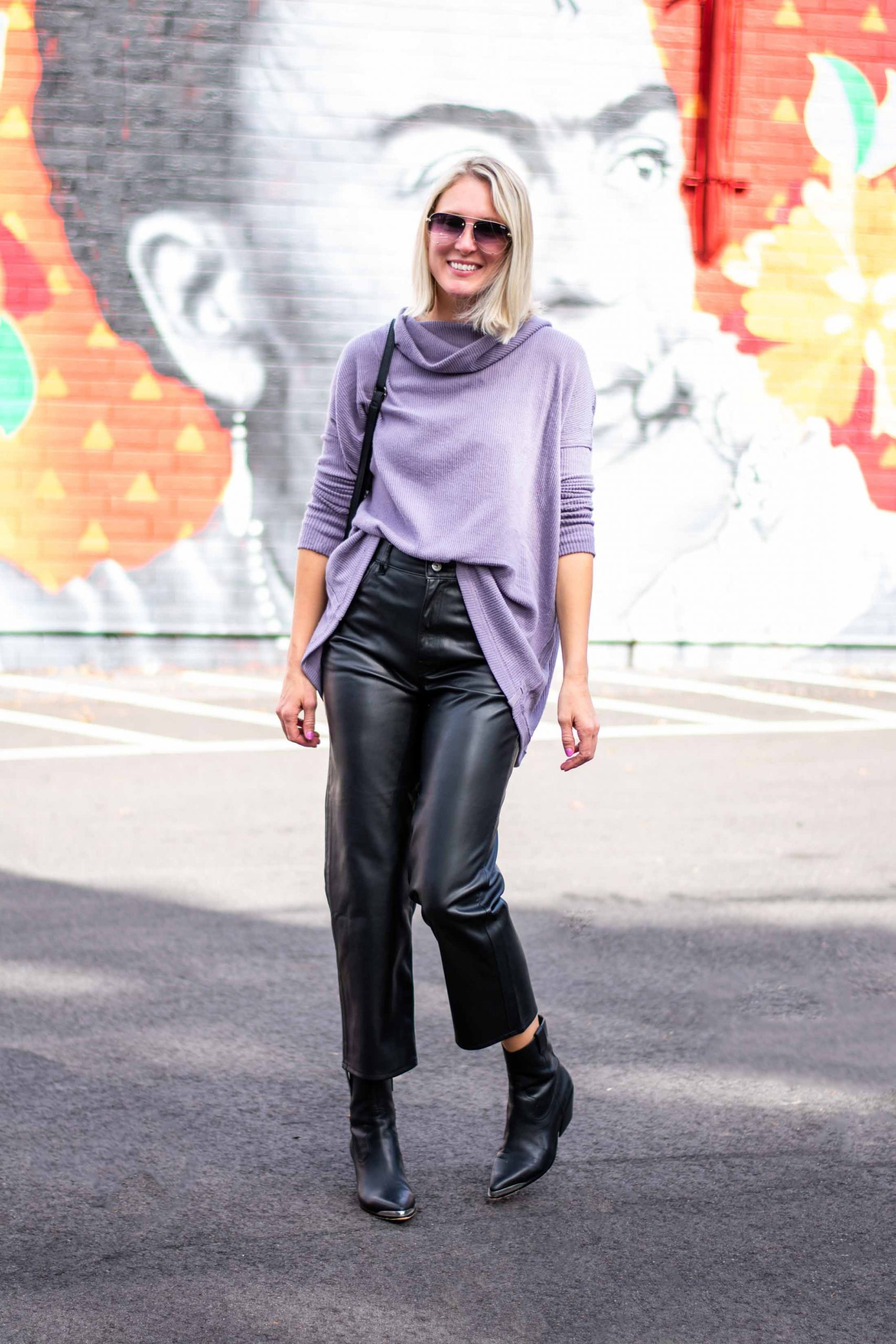 Levi's does nonchalant coolness so well! Falling for their faux leather ribcage pants was very eeeeasy. Here's how we're wearing 'em.