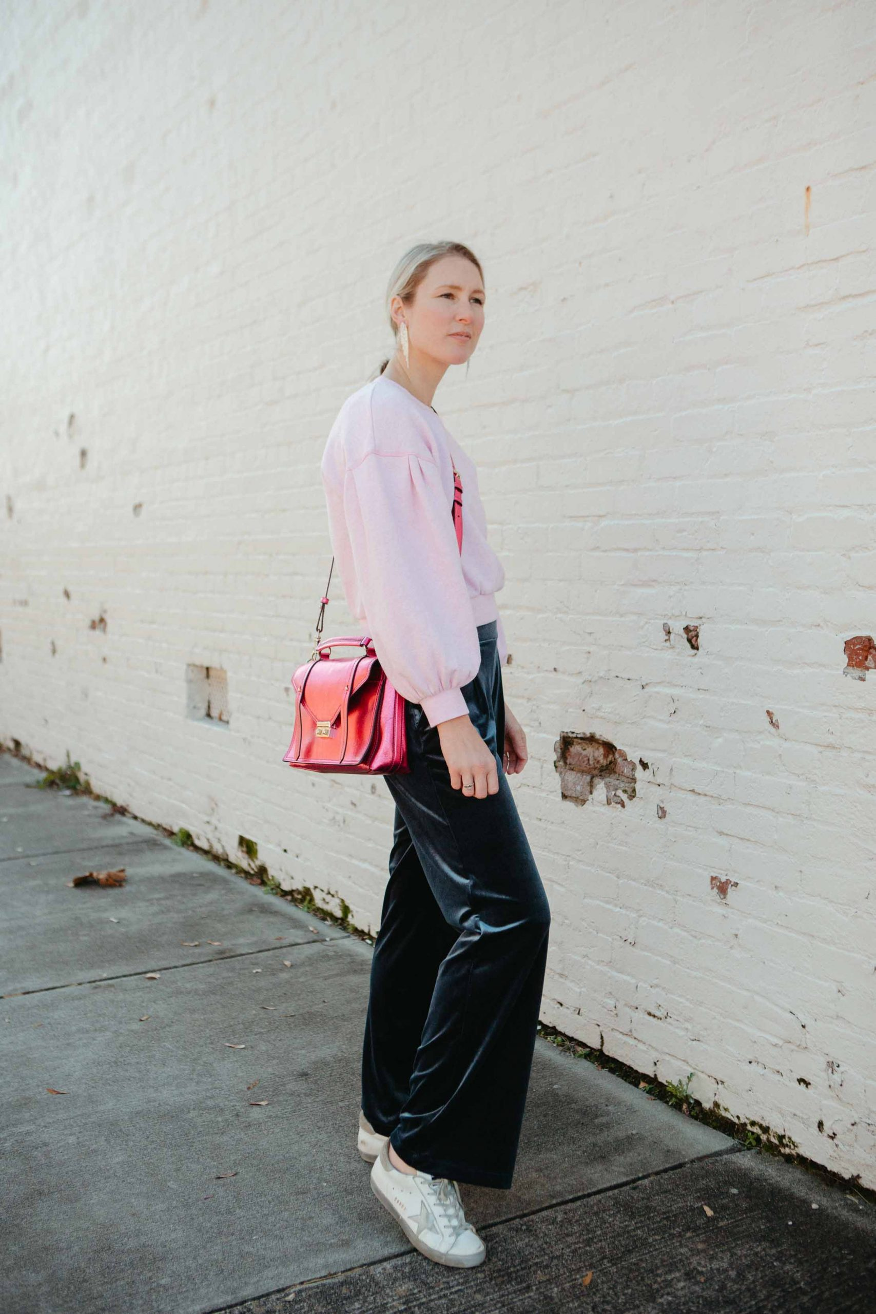 These velvet pull-on pants are soft, comfy & just as good -- if not better -- than sweatpants. Look fancy pantsy...w/out feeling fancy pantsy. An invaluable outfit formula. Comfort, but make it FASHION.