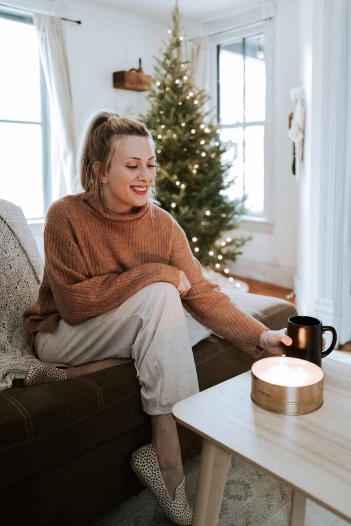 Time to cozy up! Kohl's is spot-on for outfit updates for winter. Think Levi's skinny jeans, Vera Wang knit pants & LC Lauren Conrad sweaters.