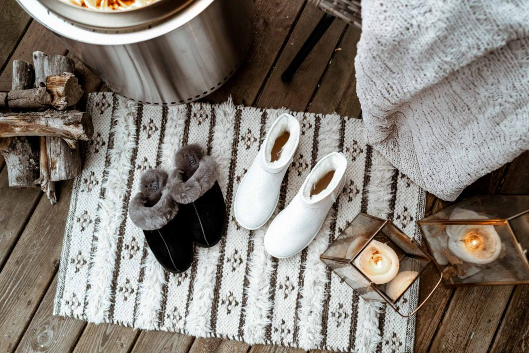 For the coziest winter essentials (indoors & out), Nordstrom is our 1-stop shop for UGG boots & slippers, plus fleece jackets & flannel pajamas.
