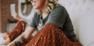 Shop Social Threads is right on time: a small, woman-owned business w/ fun fashion & brands we love. Rn? Sequins, patterns & prints are our top picks.
