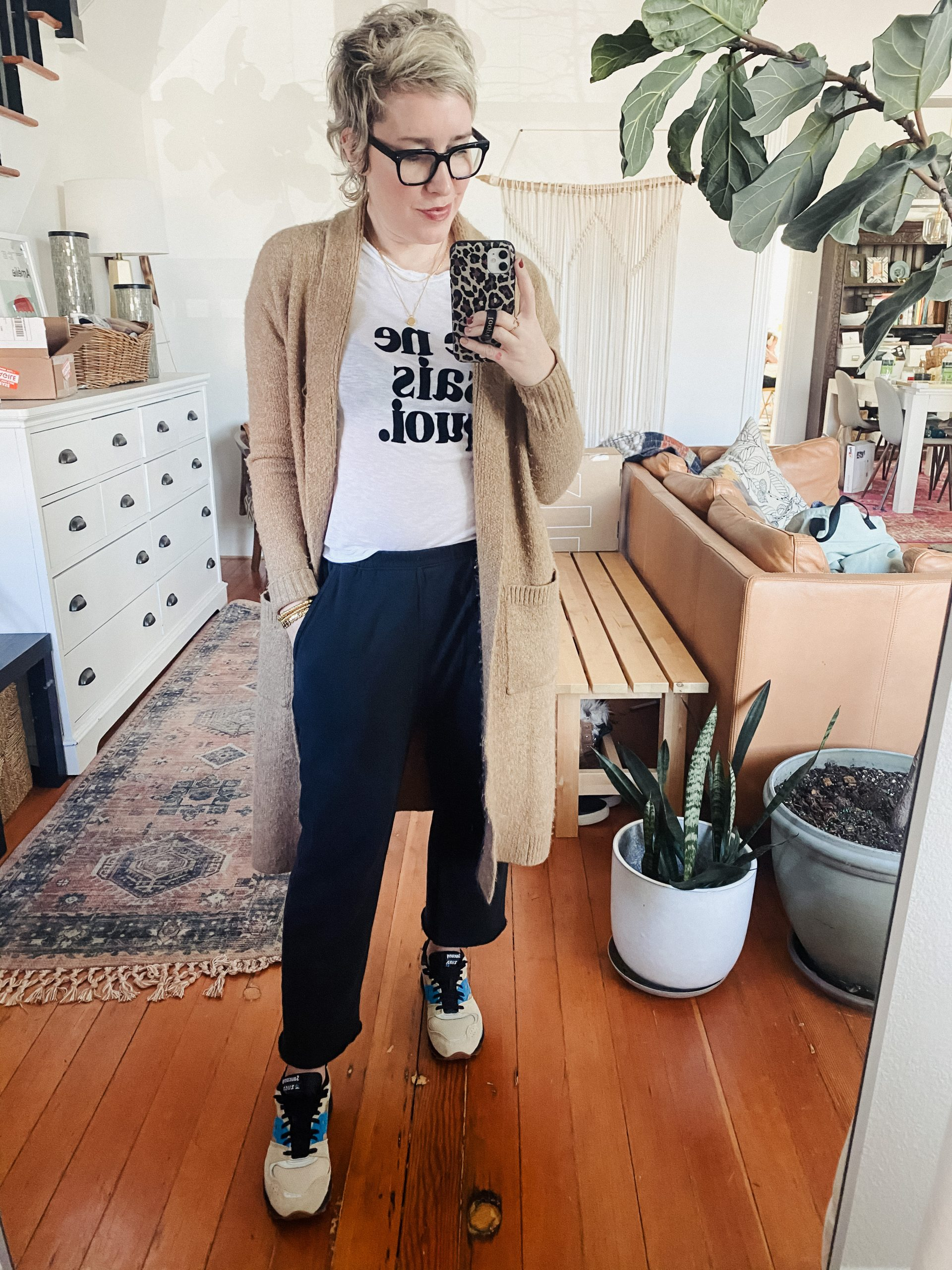 The GREAT. baggy cropped sweatpants have become some of my fav lounge-to-streetwear pants. So I'm here to find out if their loungewear is worth the coin.