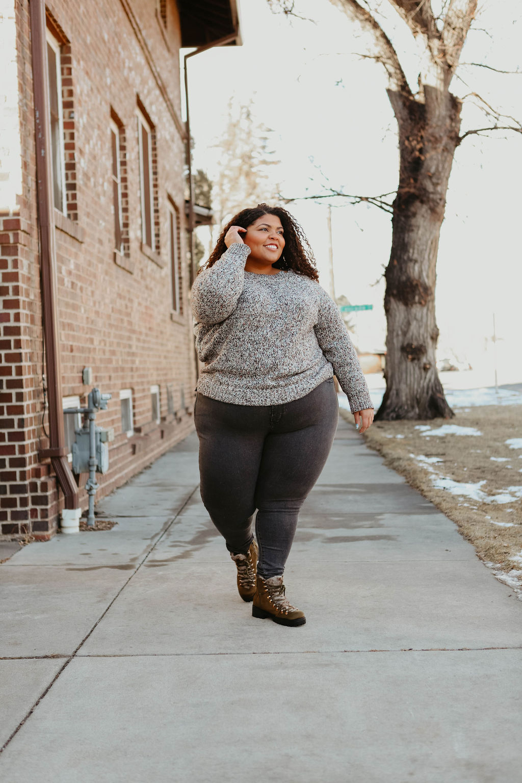 I'm talking about Levi's 720 jeans that fit just right, a perfect pair of boots w/ the fur, &, of course, a super-cozy sweater. It's my ideal winter weekend outfit.