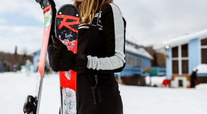 The Sweaty Betty Astro ski pants are windproof, waterproof & comfortable. They're also cute. These bibs really are the Holy Grail of Snow Pants.