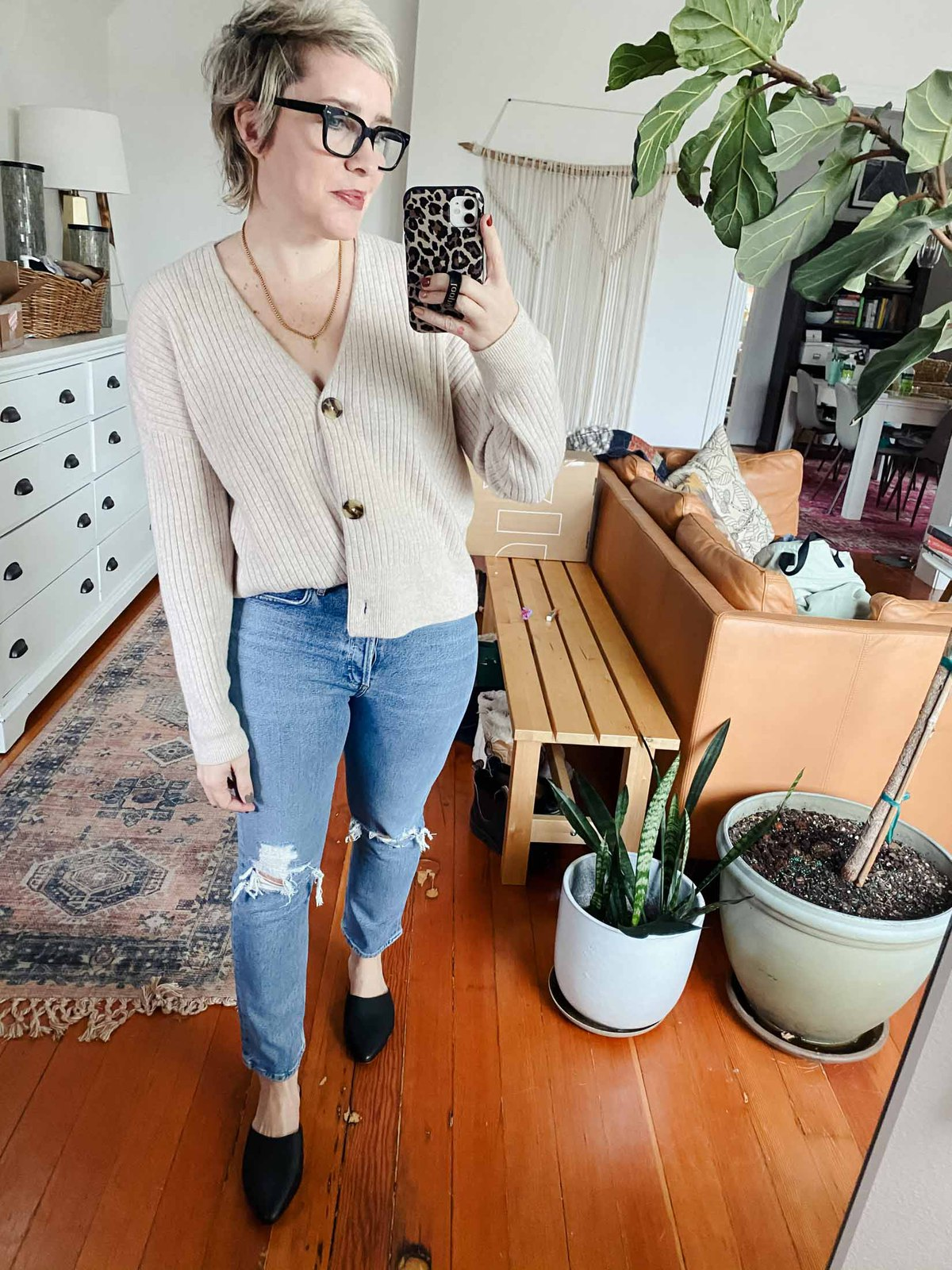 The AGOLDE Riley high waist straight crop jeans are my favorite new denim style, so I thought I'd style 'em up 6 ways! Bonus: they're sustainably made.