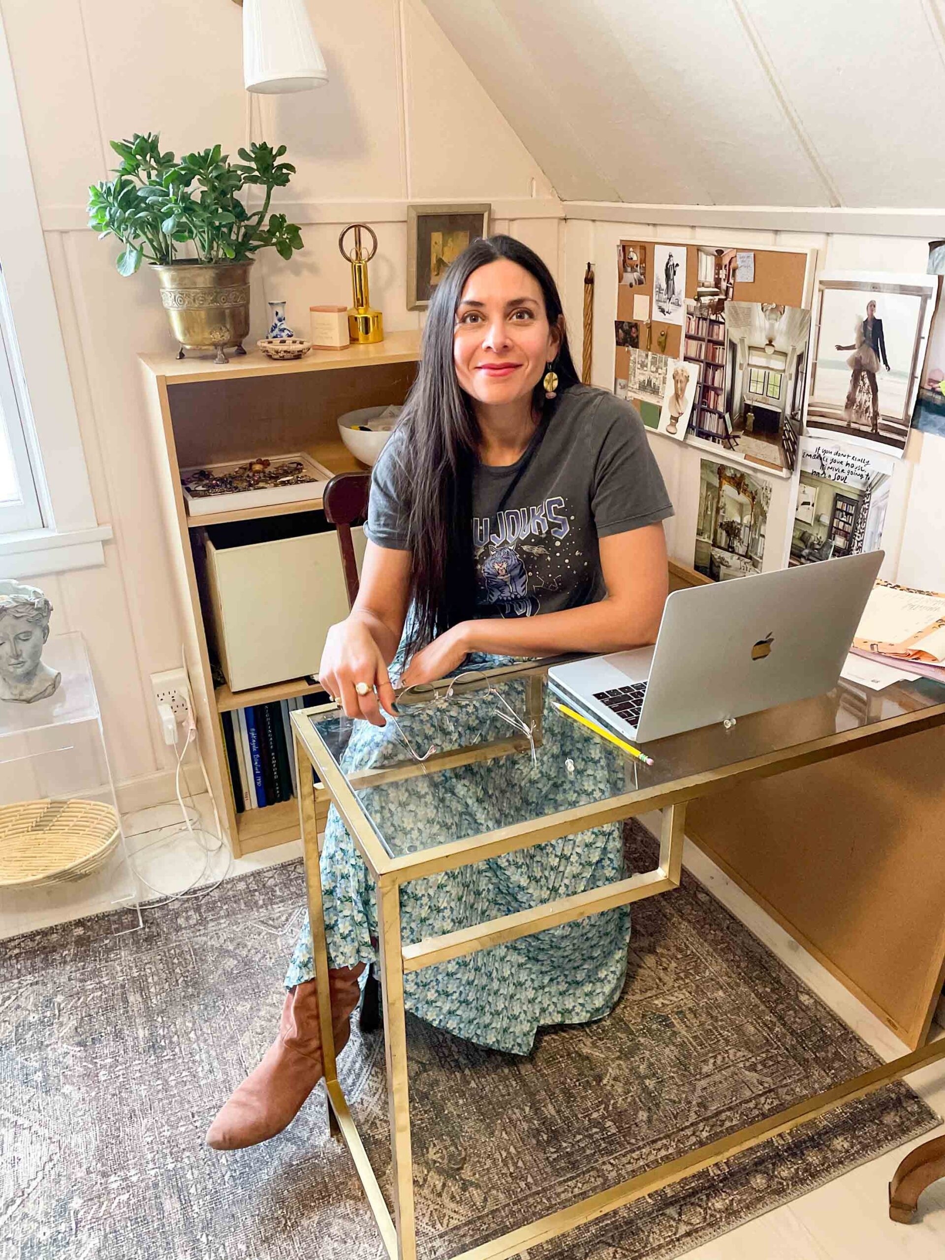 """Fiona loves to tackle design dilemmas + styling questions that cover the closet, the home & more.  She describes her style as, """"eclectic, elegant, and edgy."""""""